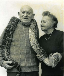 Zakladatel Biblické Zoo profesor Aharon Šulov a jeho manželka Jochebed (foto: Shlomit Shulov-Barkan, licence:CC BY-SA 3.0)