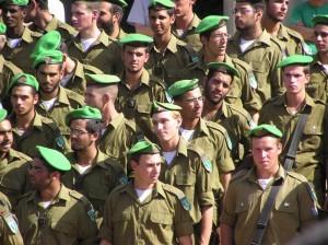Izraelská vláda se chystá zvýšit bonus pro vojáky odcházející do civilu po základní vojenské službě